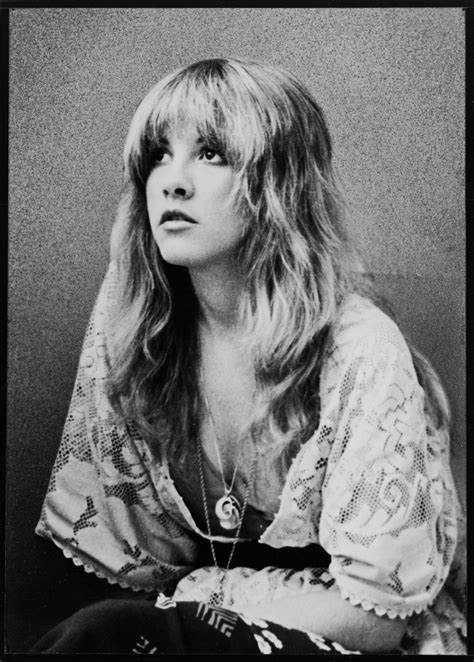 gold dust the biography of stevie nicks books j wise words from stevie nicks leather and lace