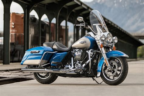 Battery For Harley Davidson Road King by 2018 Harley Davidson Road King Touring Bike Review