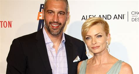 Find By Their Name Jaime Pressly Welcomes Boys Find Out Their Names Wstale