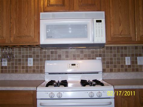 laminate kitchen backsplash ceramic backsplash twelve stones tile laminate installation