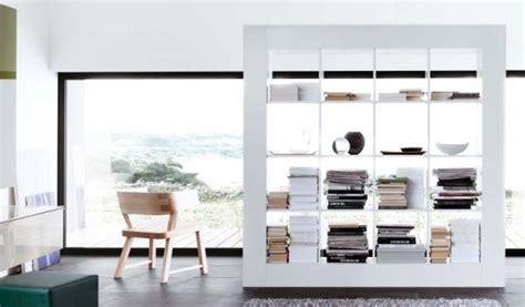librerie scorrevoli divisorie dividere cucina e soggiorno idee