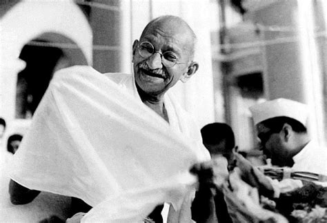 mahatma gandhi biography in hindi com मह त म ग ध क ज वन पर चय mahatma gandhi biography in