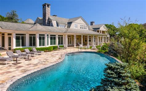 Wainscot Ny burnt point a 95 million waterfront estate in wainscott ny homes of the rich