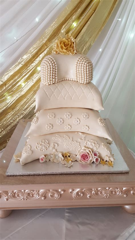 traditional cake decorations traditional cakes mulberry cakes and cupcakes