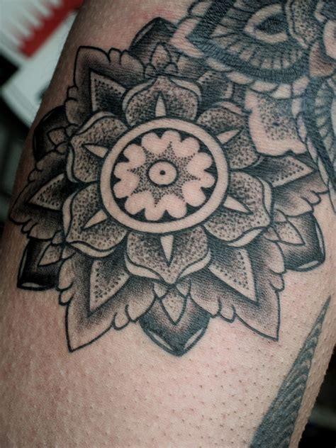 tattoo mandala dotwork dotwork dragon tattoo