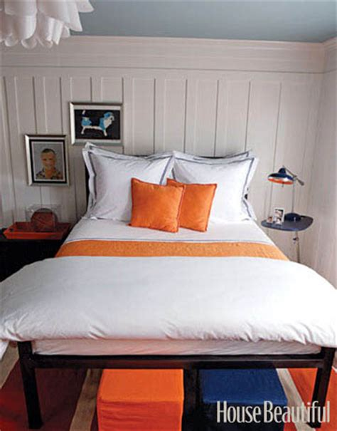 orange and white bedroom small bedroom ideas