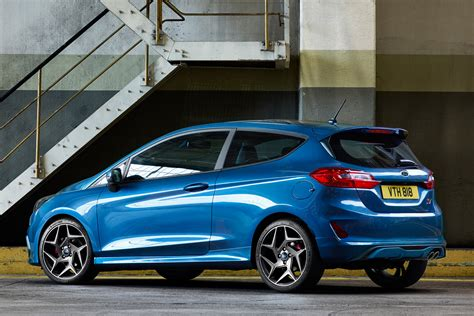 Ford Fiest St by New 2018 Ford St Hatch Revealed Pictures