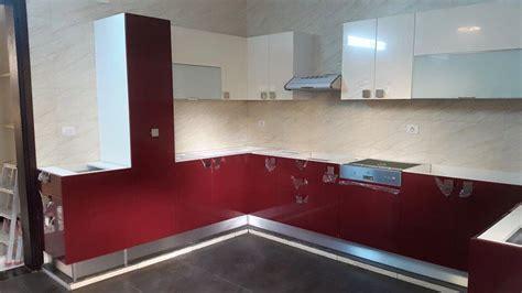 Impressionnant Salon Rouge Et Blanc #10: Cuisine-rouge-bordo-beige-brillant-cuisine-equipee-jaz-cuisines-meubles-tunisie-3.jpg