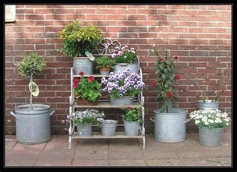 etagere zink 18 best images about garden on gardens ladder