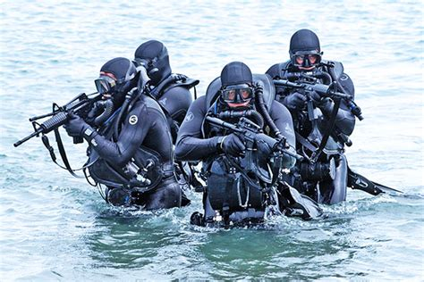navy seals dive uksf diving gear