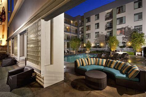 Luxury Hollywood Apartments   sunset   vine