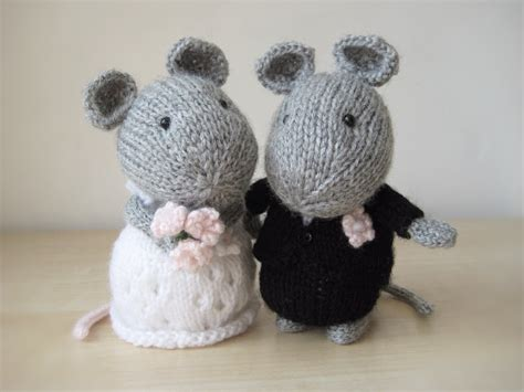 Wedding Gift Knitting Patterns by Wedding Mice And Groom Knitting Patterns