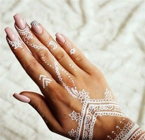 les 25 meilleures id 233 es concernant henn 233 blanc sur