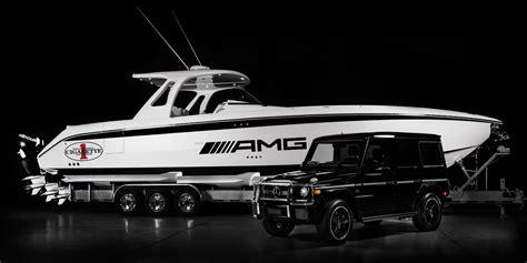 cigarette boat motors meet cigarette racing s huntress the 42 foot boat