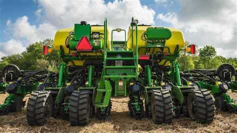 Largest Corn Planter by Deere Tractor In The World Amazing