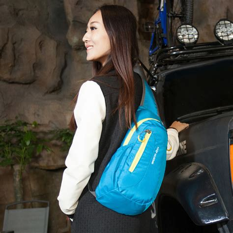 Tas Selempang Waterproof Shoulder Bag For Smartphone Black tas selempang sport waterproof black jakartanotebook