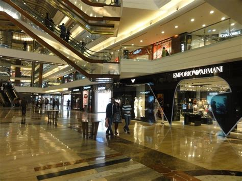 2 000 Square Feet 5 best and biggest shopping malls in mumbai for shopping tour