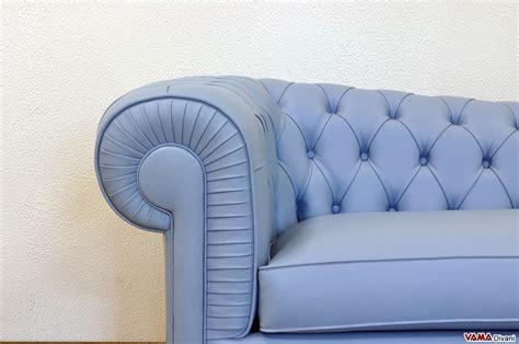divani azzurri dormeuse chesterfield classica in pelle misure e prezzi