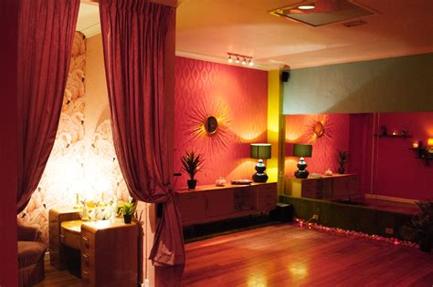 burlesque bedroom decor maison burlesque the flamingo room in richmond find a