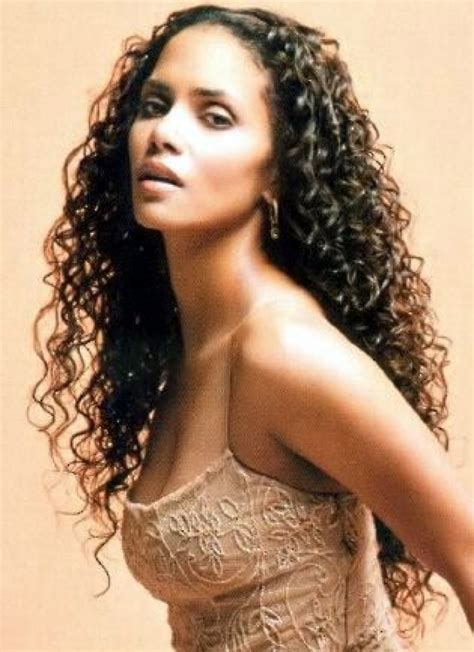 halle berry hairstyles weaves or wigs curly weave hair pinterest curly weaves curly hair