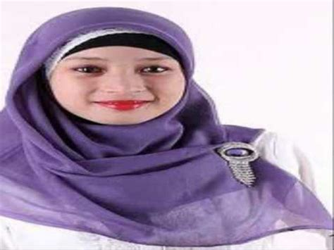 Jilbab Segi Empat Fatin Jilbab Segi Empat Simple Menggunakan Jilbab