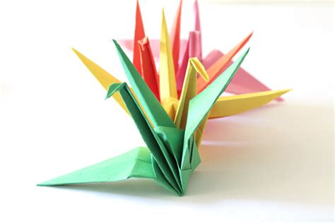 Tutorial Origami Crane - paper crane tutorial to help your children those in