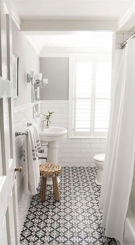 vintage decorations  bathrooms