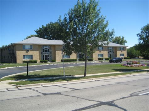 Milwaukee Apartments With Utilities Included Rivercourt Apartments In Northwest Milwaukee Decker