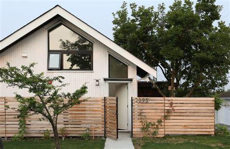 sq ft modern magnolia cottage