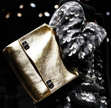 Prada Fall 2007 Bags by Prada S Fall 2014 Bags Are All About Chain Handles Purseblog