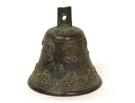 Cloche bronze airain feuillage antique french bell XVIIème