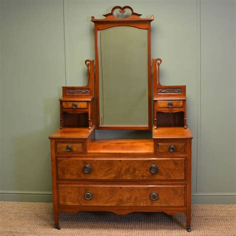 quality burr walnut antique dressing table