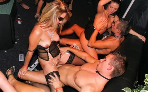 Wild Party Girls Getting Hardcore Daily Updates Page