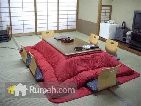 Meja Makan Ala Jepang saat hujan berada di rumah juga bisa menyenangkan rumah dan gaya hidup rumah