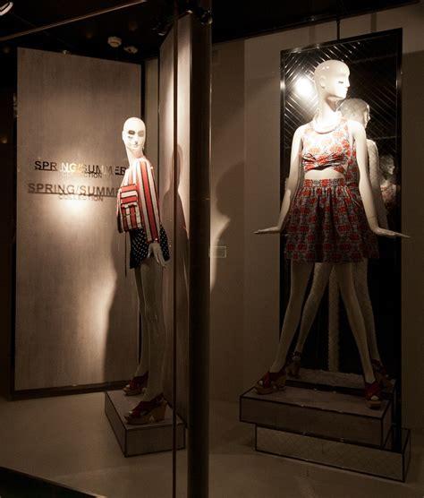 design clothes budapest zara windows 2014 spring budapest 187 retail design blog