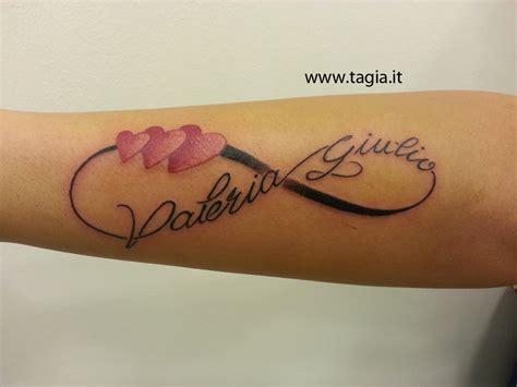 tatuaggi lettere con infinito tatuaggio infinito con lettera g tatuaggio