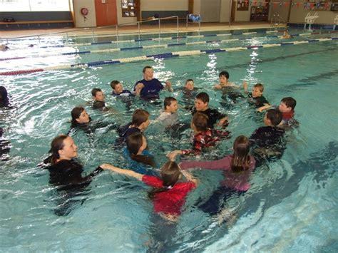 reality pe pupils learn  swim   clothes otago