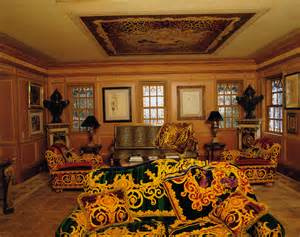 nice Celebrity House Interior Pictures #1: 1-versace-designer-home-vogue-living.jpg