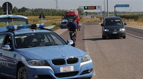 polizia stradale ufficio verbali la spending review taglia i presidi territoriali della