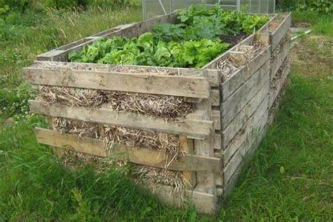 pallet garden bed 9 diy pallet garden bed ideas 99 pallets