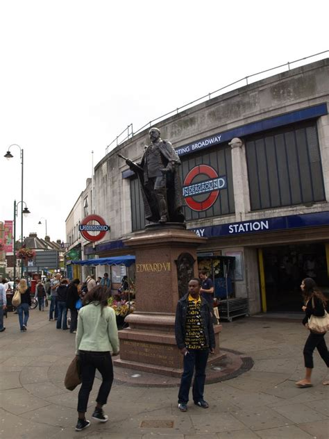 thames college tooting panoramio photo of london tooting broadway statue of