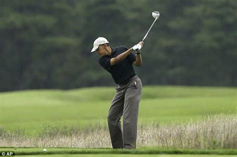 obama golf swing president barack obama meets with susan rice during martha