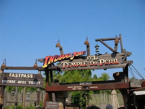 Temple Jones Mba Career Services by De Disneyland Attractions