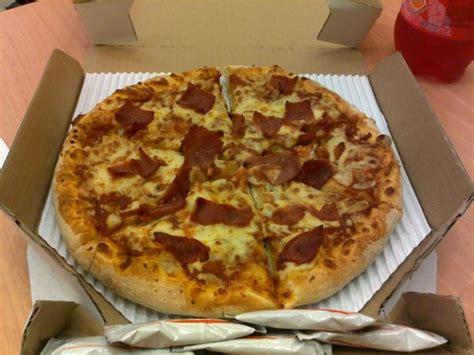 domino pizza medium size domino s pizza hey that s me