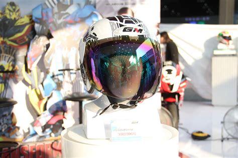 Baru Helm Gm Evolution Ladybugs helm gm gaet vino g bastian luncurkan desain baru