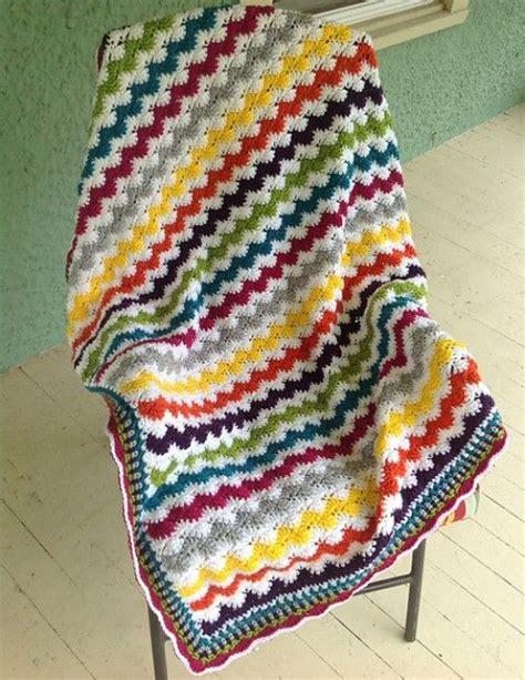 zig zag baby afghan pattern zigzag shells baby afghan free pattern pdf here https