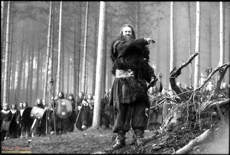 gladiator film in deutsch gladiator barbarian axe germans original prop weapon