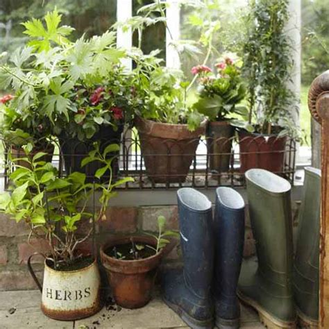 Gardening Decor Ideas Vintage Furniture And Garden Decor 12 Charming Backyard Ideas