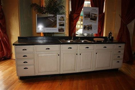 kitchen cabinet refinishing products refinish your kitchen cabinets with one easy product