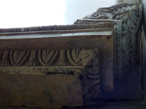 historische bauelemente giebelrelief paar historische bauelemente jetzt